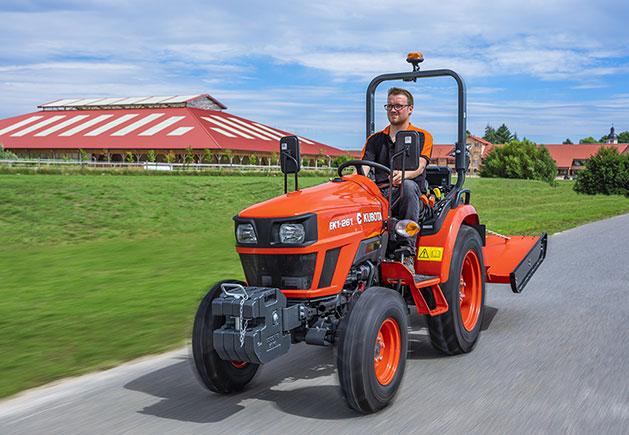 Kubota Traktor EK1 V10