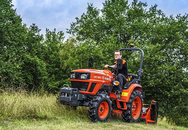 Kubota Traktor EK1 V8