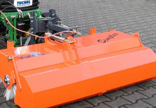 Front-Kehrmaschine